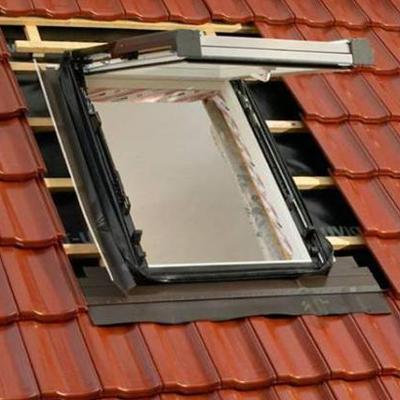 Montáž strešného okna velux