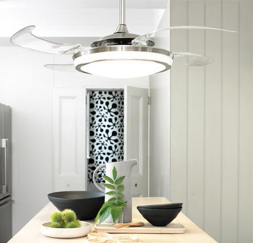 Stropný ventilátor Klarstein Bolero orechový v sebe skrýva aj zabudované stropné svetlo, pričom pre obidve zariadenia stačí jedna prúdová prípojka.